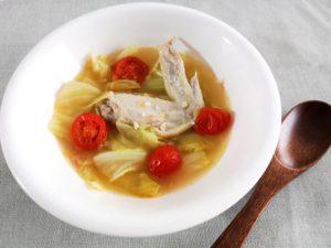 手羽先とキャベツのスープ