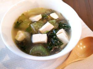 チンゲン菜と豆腐のスープ